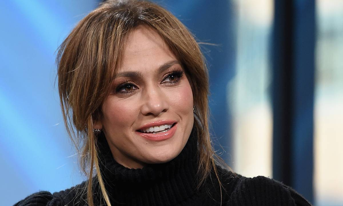 JLO a 50 anni è sempre una delle donne più belle del mondo